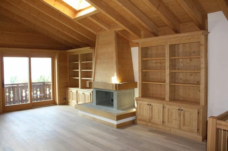 Arredamenti artigianali su misura for Arredamento interni case montagna