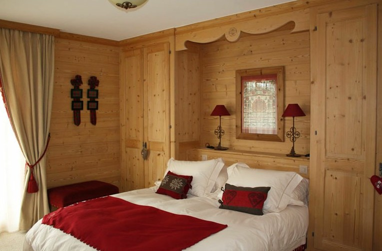 Arredamenti artigianali su misura - Camere da letto in legno rustico ...