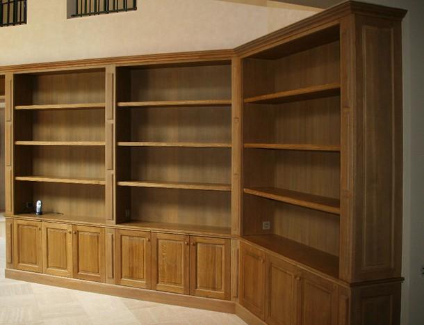 Libreria su misura ad angolo