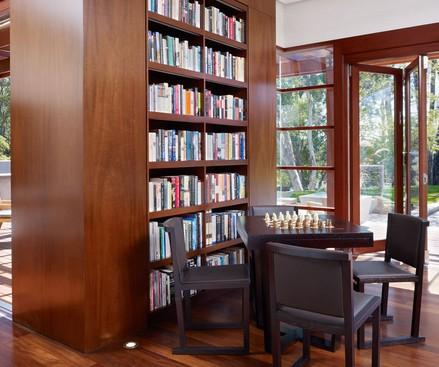 Parete divisoria con libreria